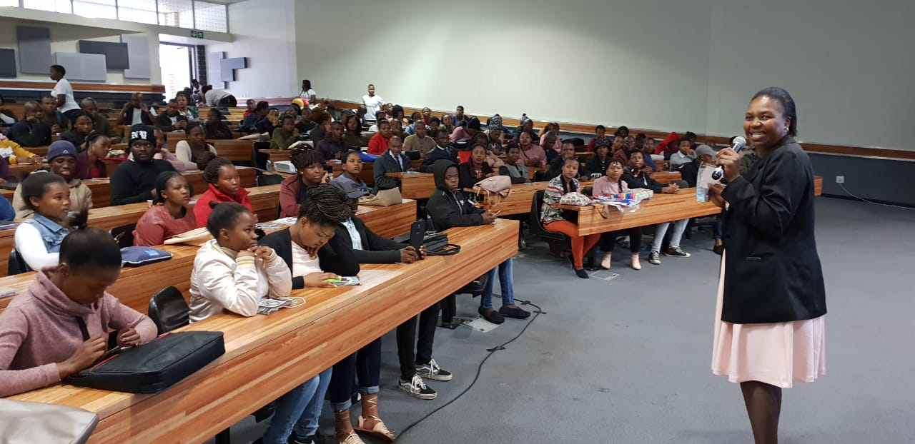Prof. Bulelwa Nguza-Nduba (WSU: Dean of Management Sciences) thanking all Walter Sisulu University Butterworth Campus students for their time and joining in big numbers in support of entrepreneurship development in higher education.